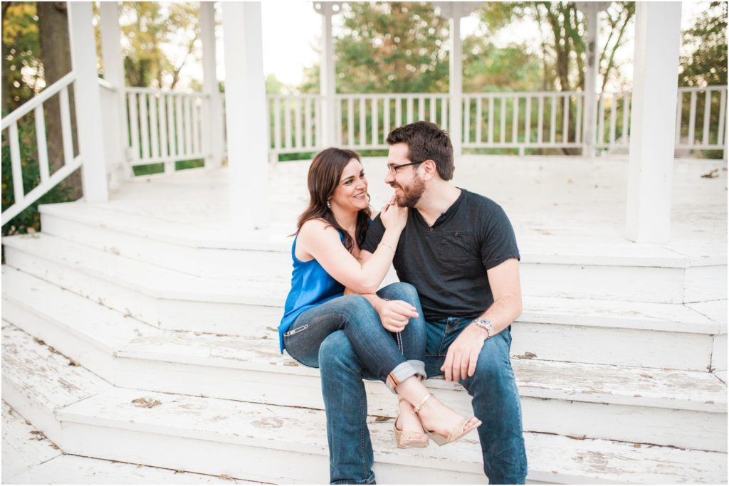 cedar-rapids-and-mount-vernon-wedding-photographer-stephanie-marie-photography-engagement_0076