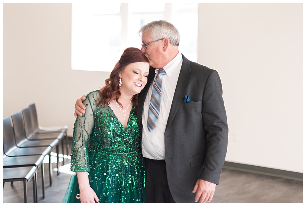 Stephanie Marie Photography Eastbank Venue and Lounge Cedar Rapids Iowa City Wedding Photographer Pete Leslie Akers 30