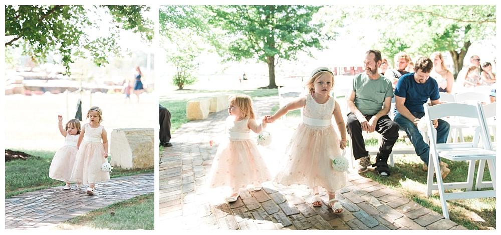 Stephanie Marie Photography This Old Barn Fairfield Iowa City Wedding Photiographer Tylor Emily 14