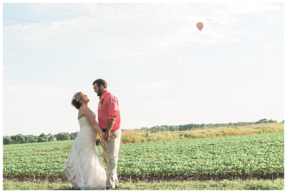 Stephanie Marie Photography This Old Barn Fairfield Iowa City Wedding Photiographer Tylor Emily 22