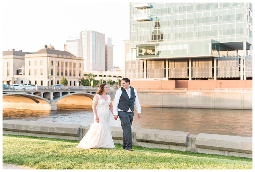 Stephanie Marie Photography Eastbank Venue and Lounge Cedar Rapids Iowa City Wedding Photographer Kelsey Austin Boekhoff_0046.jpg