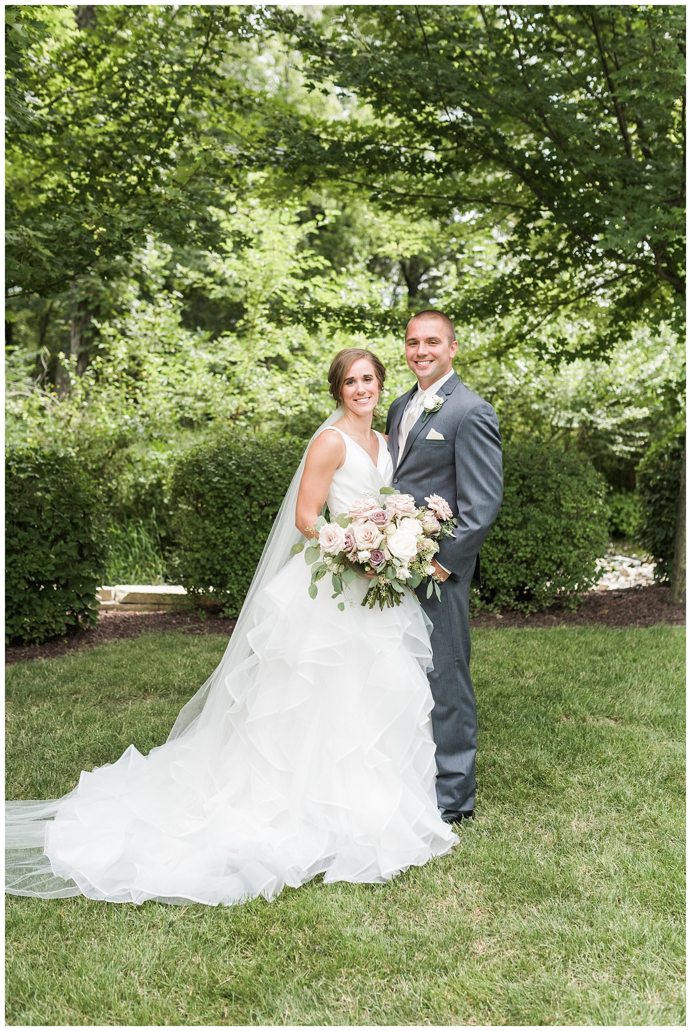 Stephanie Marie Photography Newman Catholic Center Ceremony Bella Sala Reception Tiffin Iowa City Wedding Photographer Chelsey Justin Meyers_0017-1.jpg