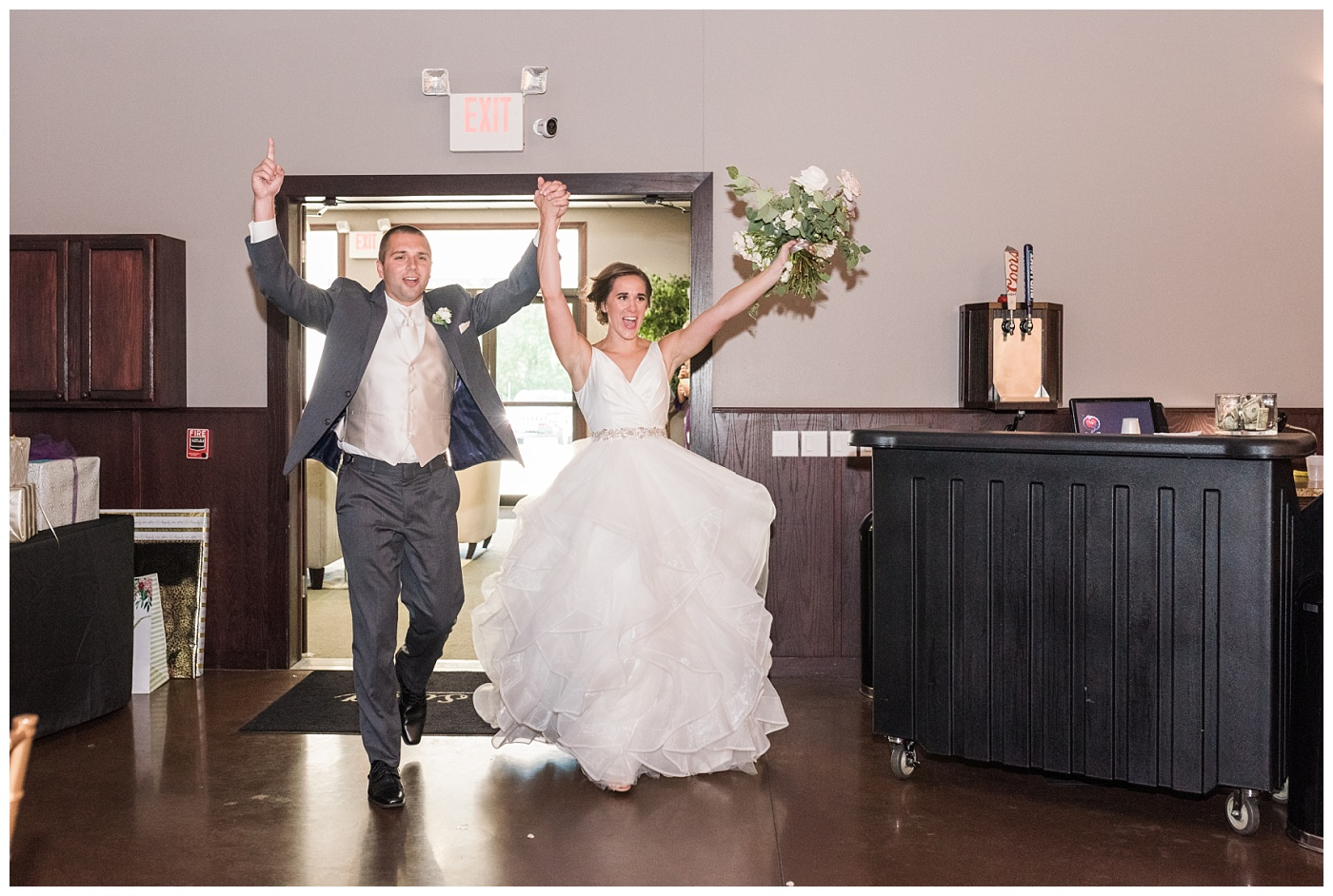 Stephanie Marie Photography Newman Catholic Center Ceremony Bella Sala Reception Tiffin Iowa City Wedding Photographer Chelsey Justin Meyers_0036-1.jpg